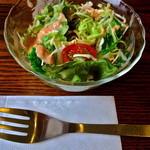 カフェ モナミ - ランチのサラダ