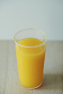 10ファクトリー - 低速ジューサーで搾る生搾りみかんジュース。