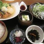 かどい - 鶏と豆腐の揚げ出し+ミニカツオたたき 1,000円