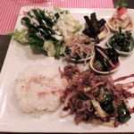 ライス カフェ - 牛肉と野菜のオイスター炒め