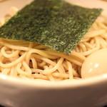 BASSOドリルマン - HOT BASSO (辛口つけそば) + 味付け玉子 のアップ