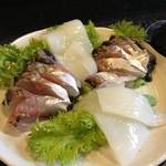 西陣 - 料理写真:イカと鯵のお刺身