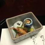 Nishimurayahonkan - 前菜 ぶどう海老 諸子揚げ浸し 他