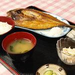 ウニ丸ちゃん - すごく大きなホッケのホッケ定食