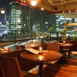 【抜群のロケーション】ベイクォーター4階にあるアロハテーブル