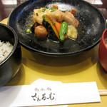 さんるーむ - 国産若鶏と揚げ出し豆腐のみぞれ煮定食