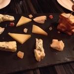 ラ ヴィラ - チーズの盛り合わせ