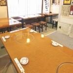 豚ちゃん チヂミ家 - 2階テーブル