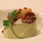 TAPPA - 料理写真:天豆のムース 塩水ウニ添え ゴルゴンゾーラのソース のアップ (2013/03)
