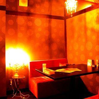 ◆まったり過ごせるカップル用ソファー席♪(半個室)
