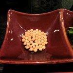 Awataguchi - 海鮮胡麻茶漬け 980円 のあられ