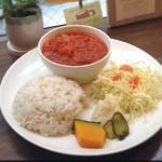 カフェ ジンタ - 日替わりおすすめランチ(チキンと野菜のトマト煮込み・ミネストローネ風)