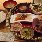 18046100 - お値打ち☆野菜の彩りランチ