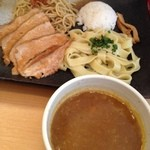 とろ肉つけ麺 魚とん - 合い盛りカレースペシャル