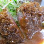 洋食の朝日 - ビーフカツのアップ