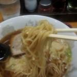 東竜 - ワンタンメンの麺