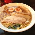 麺家 ふくふく - チャーシュー麺