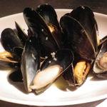 BAR BREZZA - ムール貝の白ワイン蒸