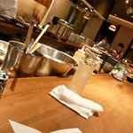 shokkan shibuya - オープンキッチンを囲むカウンター席