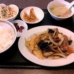 牡丹園 - 日替わり定食(牛肉炒め) \700