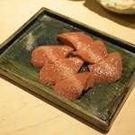 もつやき 婁熊東京 - 2013.3 れば刺(600円)