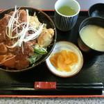 勝央サービスエリア(下り線)レストラン - 二刀流丼