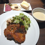 ヴィヴァッカス - 鶏のロースト 800円