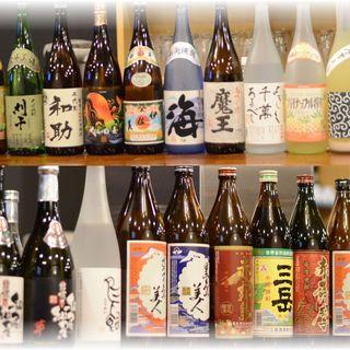 こだわりの厳選焼酎・日本酒ございます。