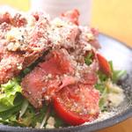 ローストビーフと京豆富のサラダ