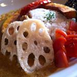 カフェオットー シクロ - 「彩り野菜カレー」(900円)。スパイシーなカレーもお野菜も美味しかった。