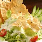 グリルハンター - 南アジアのパリパリサラダ☆豆でできたクラッカーをサラダと混ぜてサクサクっとした食感