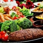 グリルハンター - パーティーコース☆ハンターのオススメ料理が色々味わえる飲み放題2時間コース、ホールケーキ付きなので女子会やお誕生日にもピッタリ