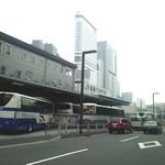 18085592 - 新宿駅JR高速バスターミナル(代々木)はすぐ近くにある。(2012/5)