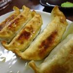 三ちゃん食堂 - 餃子240円
