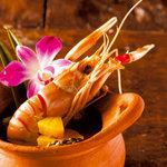 ル・ドラゴン ブルー - アジアンエスニックの定番、世界三大スープに数えられるトムヤムクン