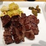 18098951 - 牛タン1600円。柔らかくて肉厚。美味い!