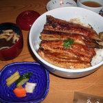 1810356 - うな丼(特上サンド)