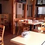 18103699 - 広くて開放的な店内です
