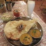 インド料理スーリヤ - レディースランチセット+ラッシー 1000円