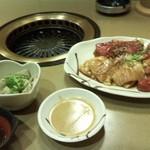 薩摩 - 生センマイ、上ロース、ハラミ、腸です