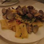 ナポリ、アマルフィ料理 Ti picchio - あさりとプチトマトのパスタ