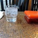 元祖とんかつカレー カツヤ - 紙ナプキンに包まれたスプーンがええですね