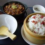 四川菜麺 紅麹屋 - 麻婆豆腐
