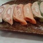 18110782 - ミックス餃子。肉超少な目の野菜餃子、あっさり味。