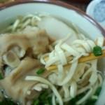 すばやぁ - 細い麺。平麺と選べます。