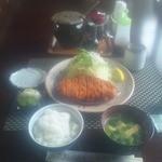 とんかつきぬ山 - 料理写真:200gロースかつ定食\1780