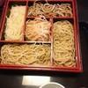 蕎麦まつも - 料理写真:5色盛、下から左まわりにセイロ、しらゆき、田舎、粗挽き、真ん中はさくら