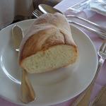 ポン・ヌフ - 外はカリッ、中はもちっとした暖かなパン