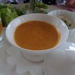 ポン・ヌフ - 前菜の洋風茶碗蒸し。女性だけ、海老のソースを使用