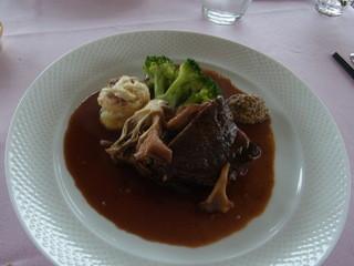 ポン・ヌフ - 国産牛ホホ肉の赤ワイン煮込み